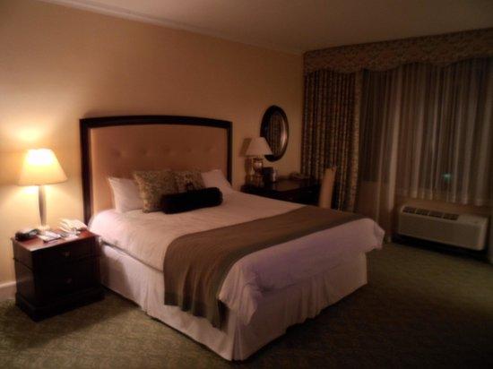 Omni Shoreham Hotel: ROOM