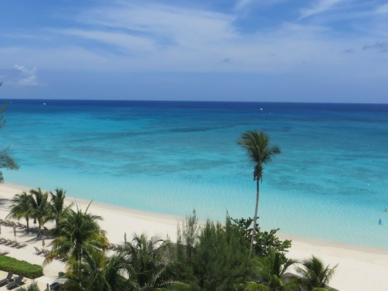 Beachcomber Grand Cayman : Beautiful 7 Mile Beach