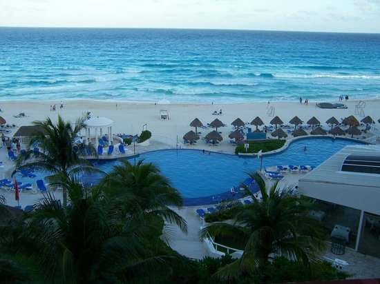 Golden Parnassus All Inclusive Resort & Spa Cancun : view from my room at Golden Parnassus