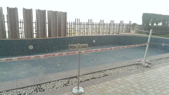 Holiday Inn New Delhi Mayur Vihar Noida : Pool under renovation.