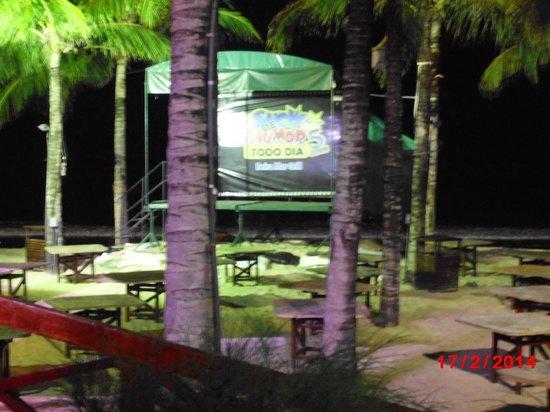 Beira Mar Grill: Muito perto da praia