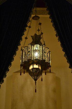 Dar Roumana : Light fixture