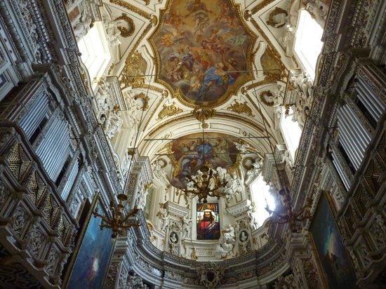 Chiesa del Gesù: interno della chiesa
