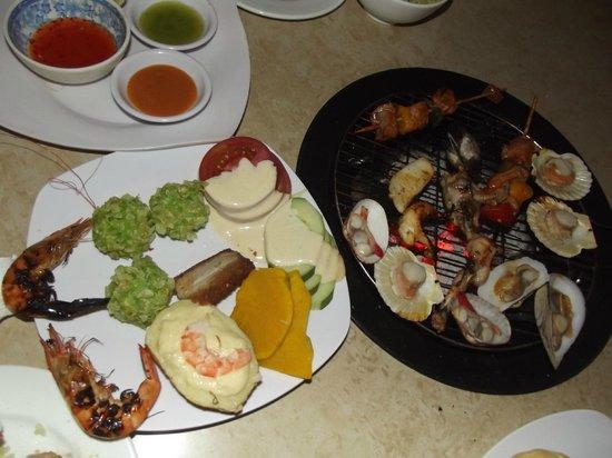 The Grill House : морепродукты готовятся быстро...