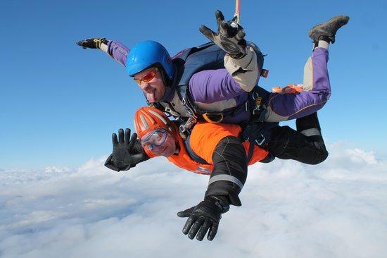 Peterlee Parachute Centre: Free falling!