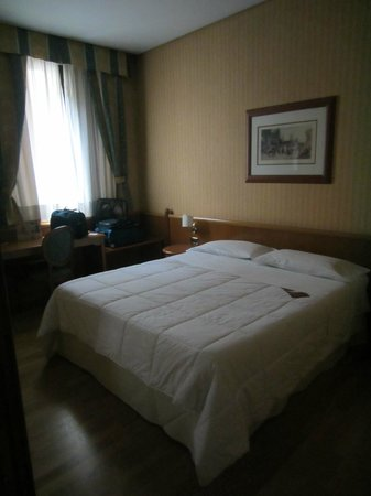 Concord Hotel : Bedroom