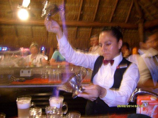 Hotel Riu Lupita : Blanca preparing our Mayan coffee