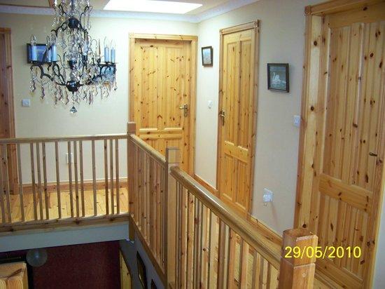 Kintogher B&B: Landing to Guest Bedrooms