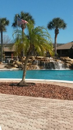 Legacy Vacation Resorts-Palm Coast: The waterfall at the huge pool!