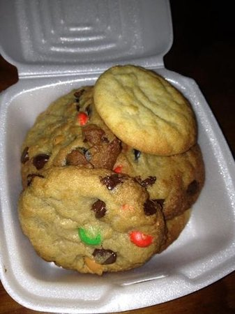 Holiday Inn Key Largo: amazing cookies!!!