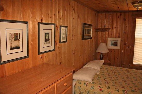 Birch Bay Get Away: bedroom
