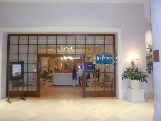 entrada do Restaurante Las Brisas no Conrad