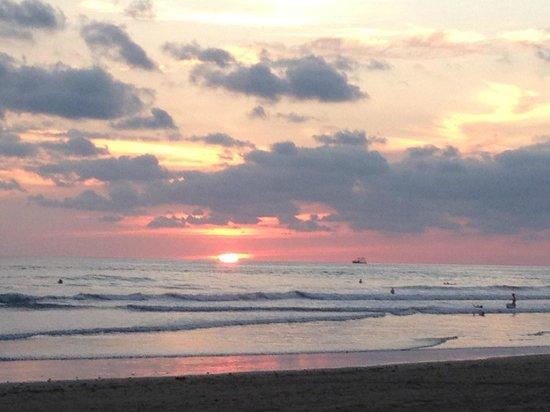 Villas Rio Mar: Walk to the beach for this