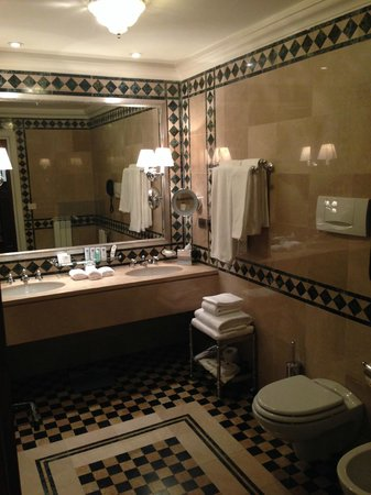 The St. Regis Florence: Gorgeous  Bathroom