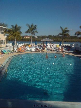 Barefoot Beach Resort: pool