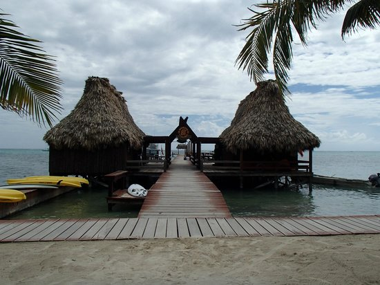 Ramon's Village Resort : Ramon's Dock