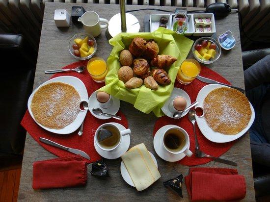 iRoom: Délicieux petit déjeuner servi en chambre