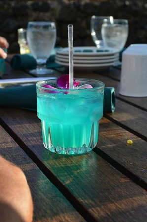 Old Lahaina Luau: Good drinks but not very strong