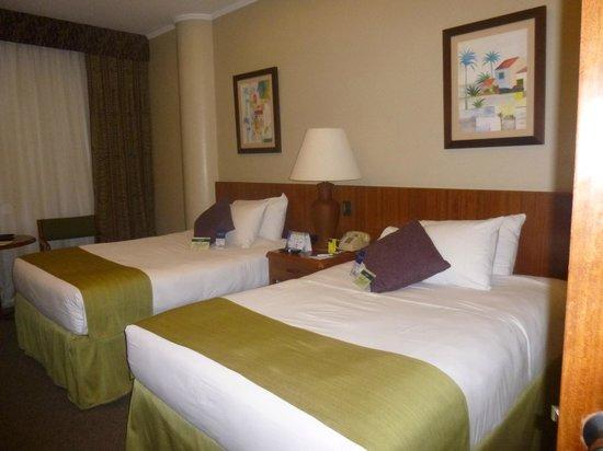 Hotel Palace Guayaquil: Las camas son muy comodas y tenes almohadas diferentes para poder escoger la que mejor te result