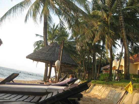 Saigon Phu Quoc Resort: Beach view