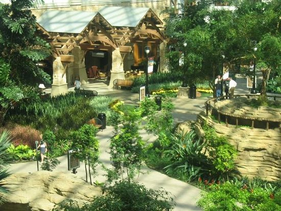 Gaylord Texan Resort & Convention Center: Территория отеля