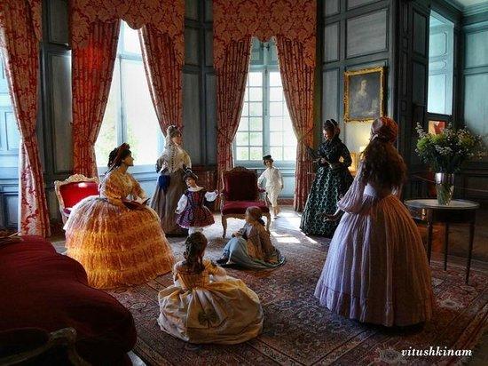 Château d'Ussé: Исторические костюмы в интерьерах замка