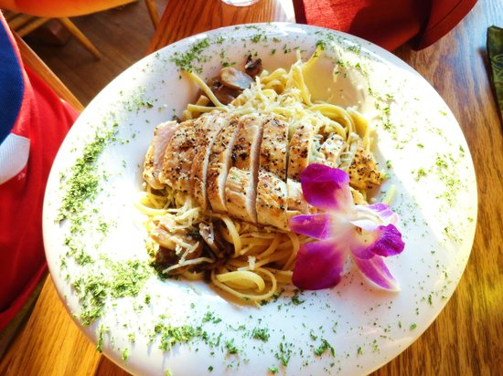 Gunflint Lodge & Outfitters: Chicken Linguine