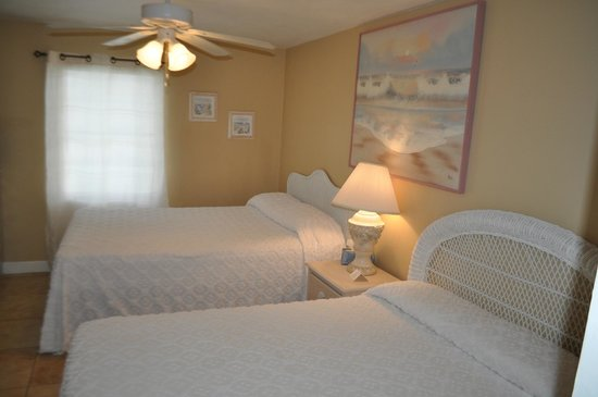 Sea Scape Motel - Oceanfront Getaway: one bedroom apartment
