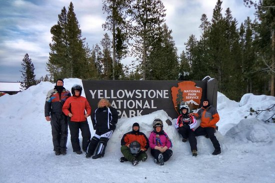 Yellowstone Lake: Our group at the end of a sunny day