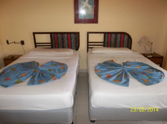 Hotel Oasis: Room 115, double beds