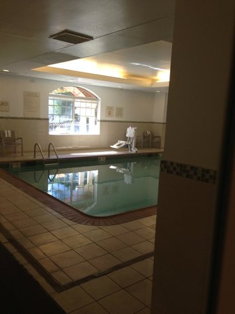 SpringHill Suites Williamsburg : indoor heated pool