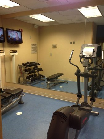 SpringHill Suites Williamsburg : fitness center