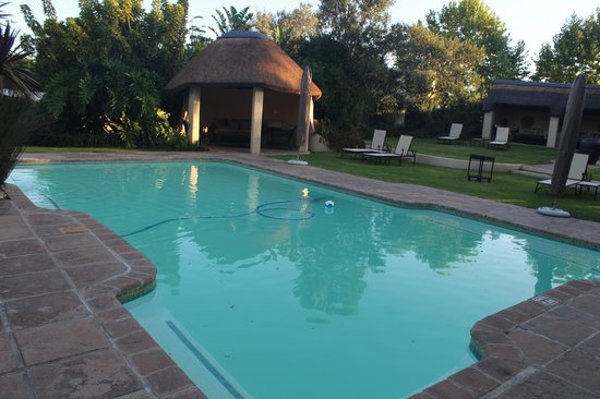 Hunter's Country House: Pool