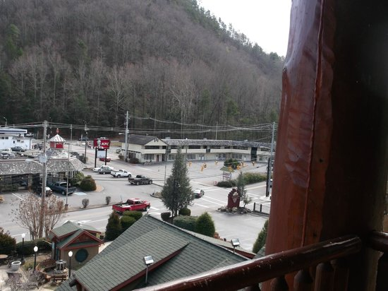 Bearskin Lodge on the River Hotel : View from our room