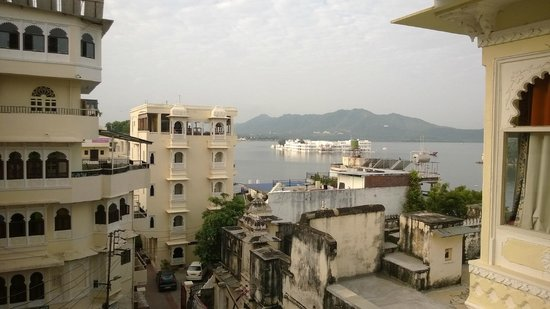 Mewar Haveli : Nice View from Lake view Room