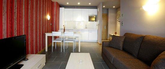 Apartamentos Spa Cueto: Disponemos de apartamentos de 2, 4 y 6 plazas