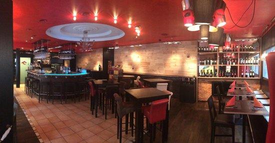 Espai Restaurant & Bar : Weinwand