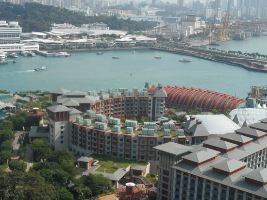 Hard Rock Hotel Singapore: Hard Rock Hotel from the Cable Car