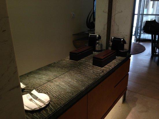 Park Hyatt Abu Dhabi Hotel & Villas: Coffee Maker