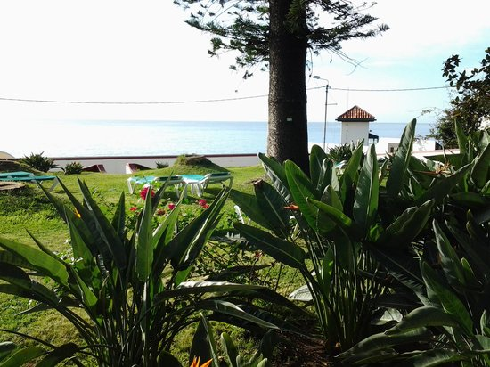 Quinta Da Penha De Franca : Quinta garden overlooking ocean