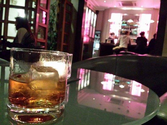 Drakes Hotel Brighton: Bar downstairs