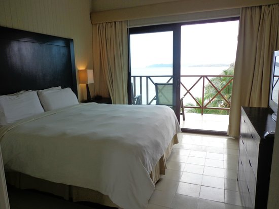 Playa Tortuga Hotel & Beach Resort : Chambre de la suite junior