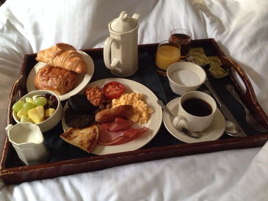The Dunstane Hotel: Breakfast in bed
