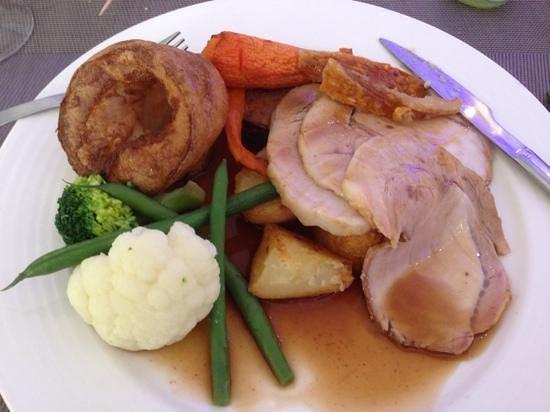 Sabores Restaurant & Tapas: main course of roast pork