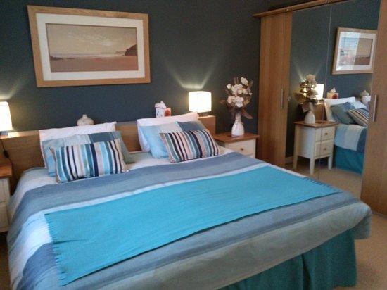 Azalea House B&B: Super king size Bed