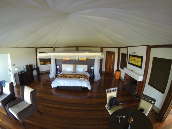 Ngerende Island Lodge: Lakeview, in the Wild