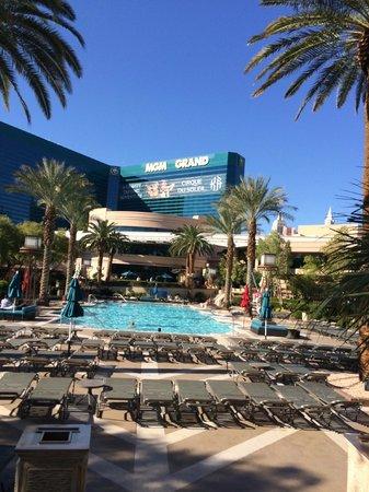 MGM Grand Hotel and Casino : Main Pool MGM Grand