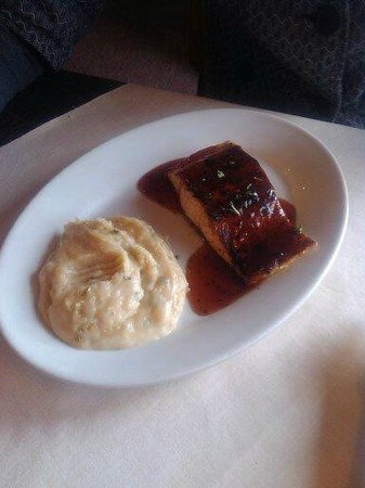 Ruby Tuesday: Salmon bbq