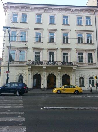 Eurostars Thalia Hotel: Fachada principal del hotel