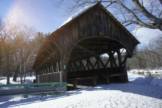 Sunday River Covered Bridge: nice stop
